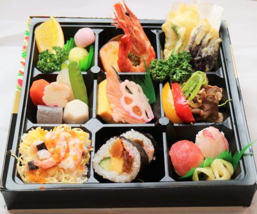 三種のお寿司の九重幕ノ内弁当